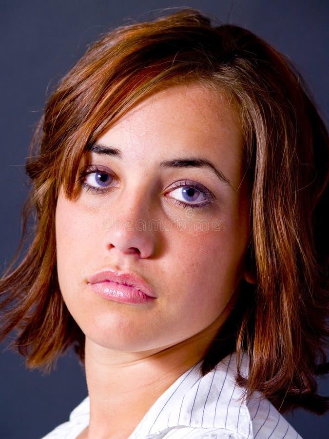 Verticale de l'adolescence de fille images libres de droits