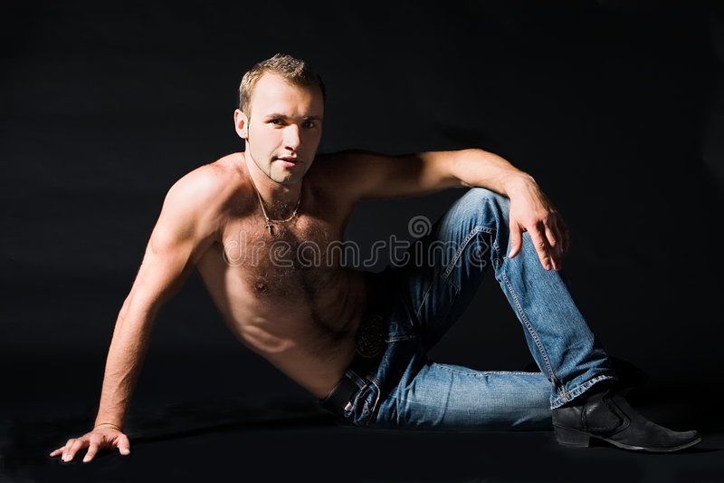 Verticale de l'homme attirant photos libres de droits