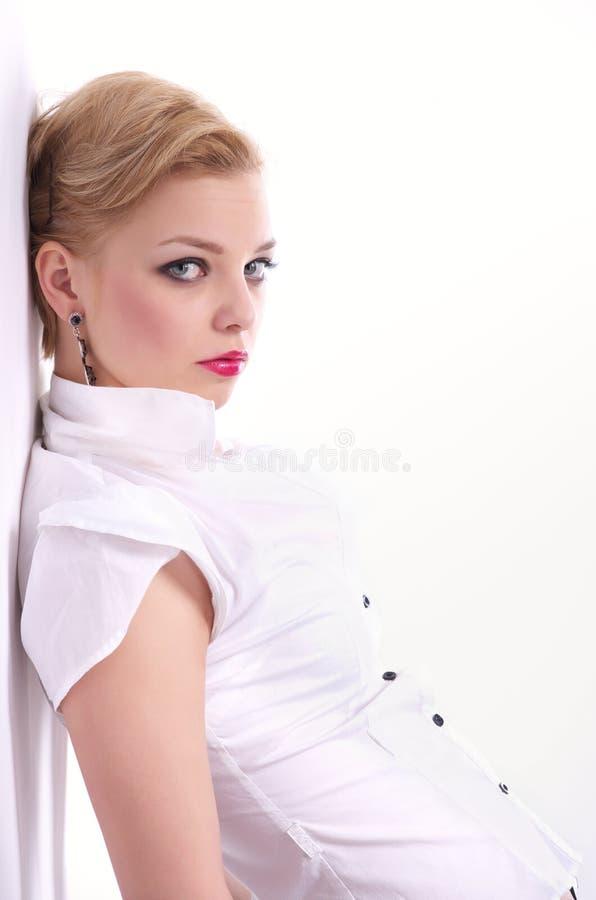 Verticale de mode de beau femme photos libres de droits