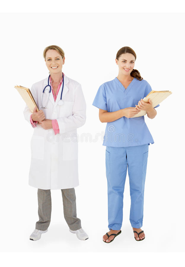 Verticale de personnel médical féminin dans le studio photo stock
