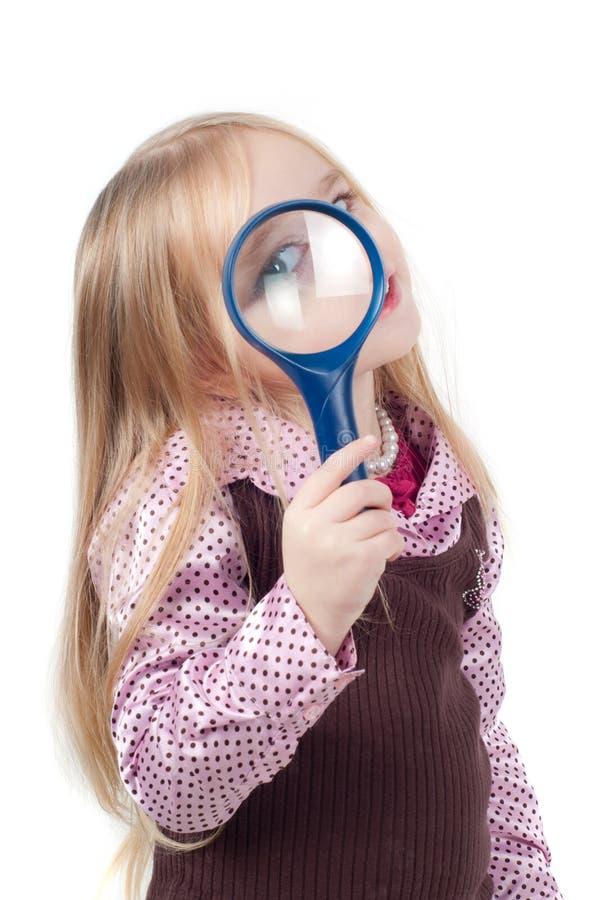 Verticale de petite fille mignonne avec le long cheveu photographie stock libre de droits