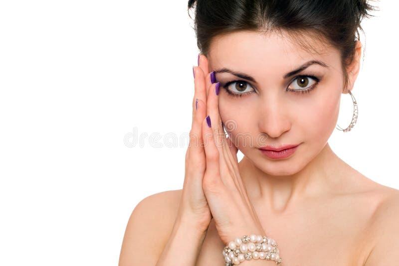 Verticale de plan rapproché de beau jeune brunette D'isolement photographie stock libre de droits
