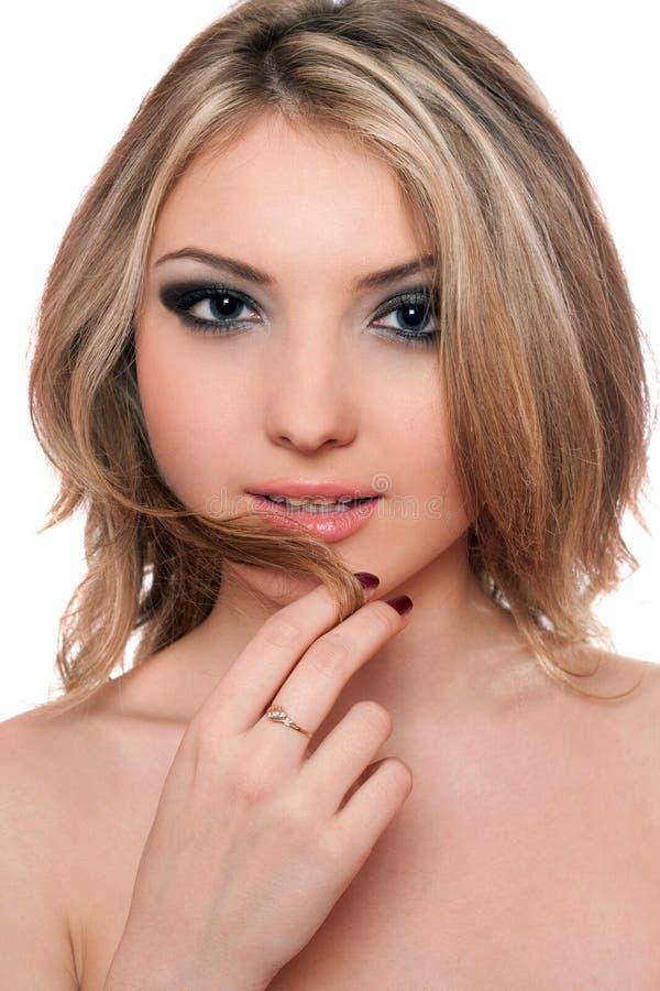 Verticale de plan rapproché de belle jeune blonde photos stock