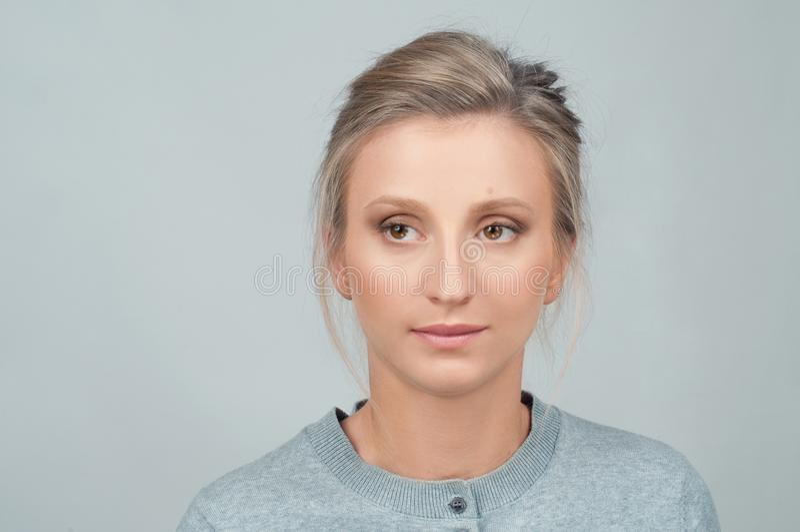 Verticale de plan rapproché de visage femelle image stock