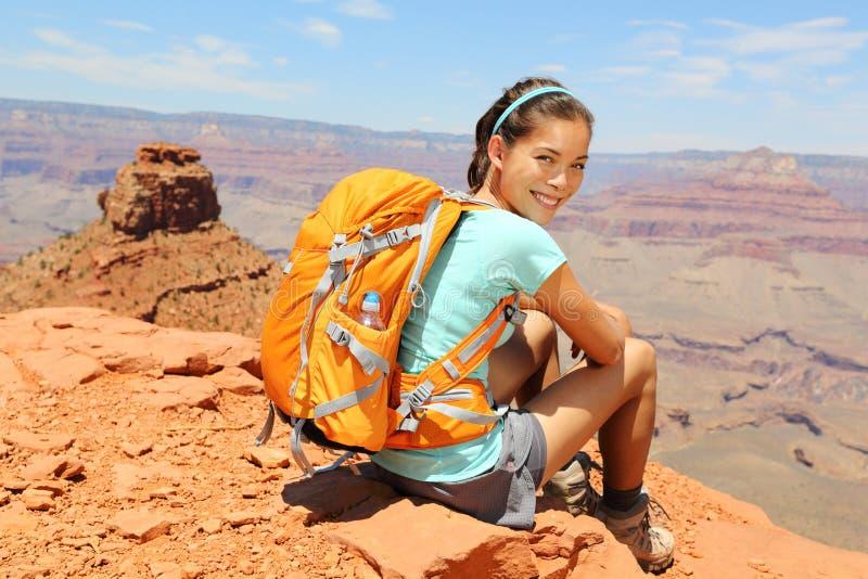Verticale de randonneur de canyon grand. image libre de droits