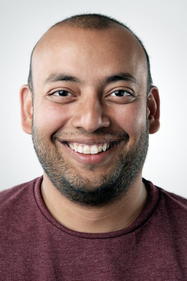 Verticale de sourire heureuse photo libre de droits