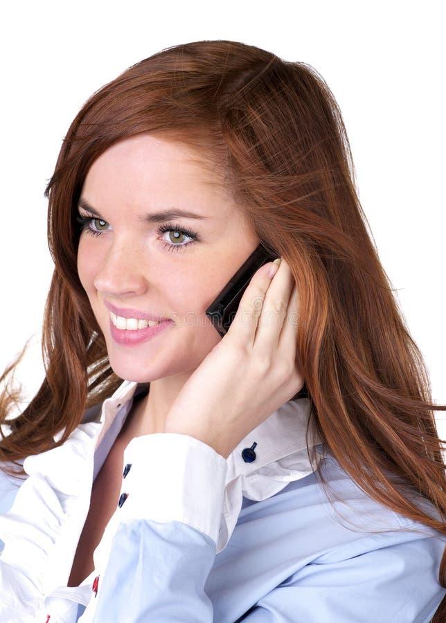 Verticale de téléphone parlant de belle femme photographie stock libre de droits