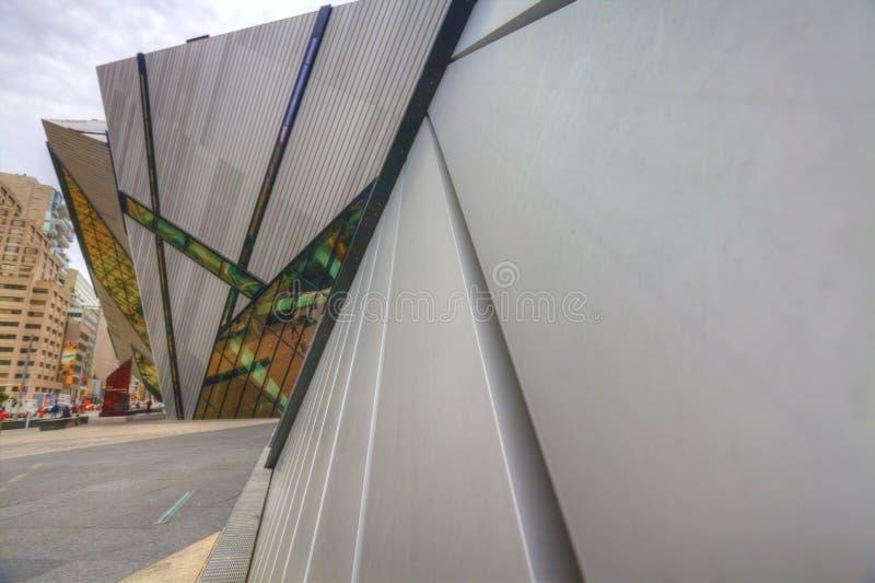 Verticale del cristallo al museo reale di Ontario, Toronto fotografia stock libera da diritti