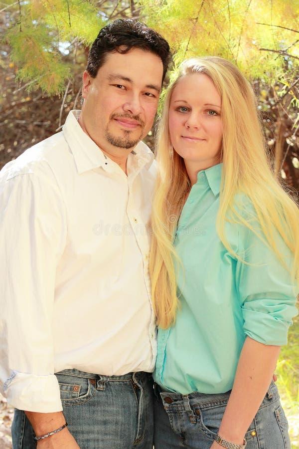 Verticale des couples. photo libre de droits