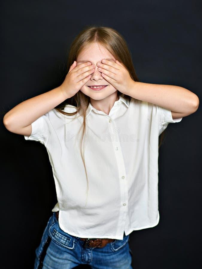 Verticale du bel enfant image libre de droits