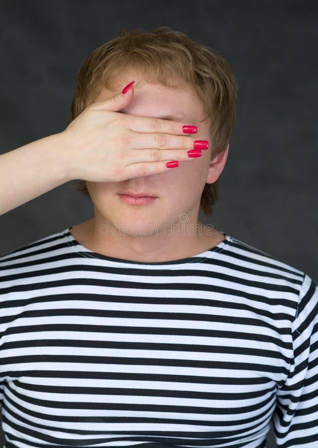 verticale fermée de mâle d'oeil photo libre de droits
