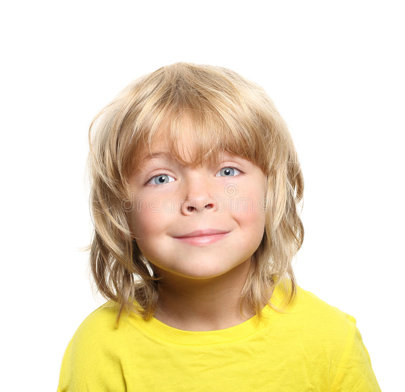 Verticale heureuse de petit garçon photos stock