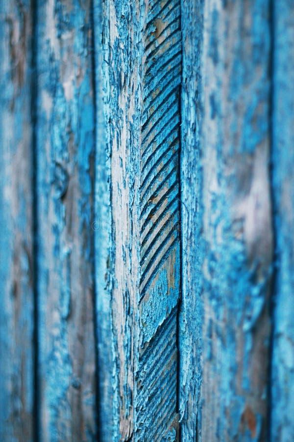 Verticale houten achtergrond met textuur van oude raad, die in blauwe kleur wordt geschilderd stock afbeelding