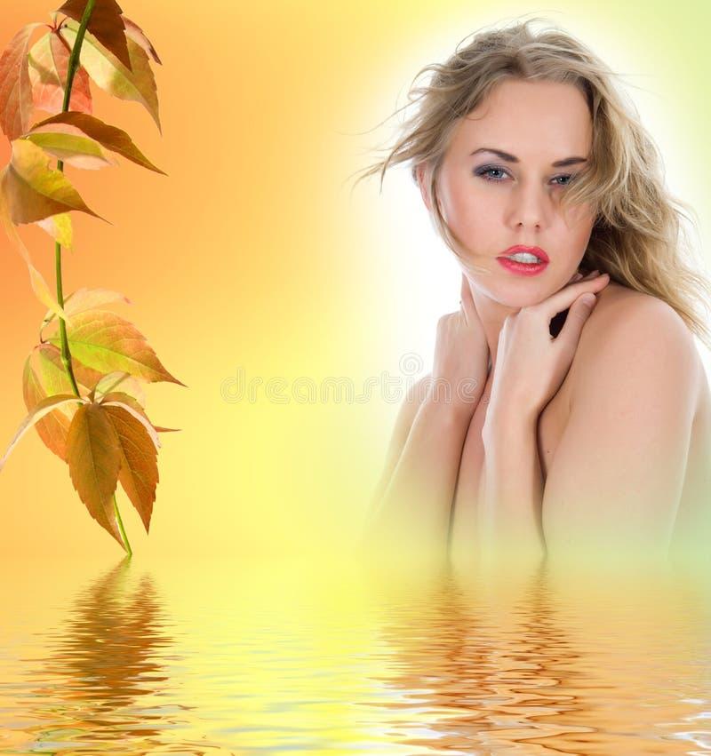 verticale nue blonde photo libre de droits