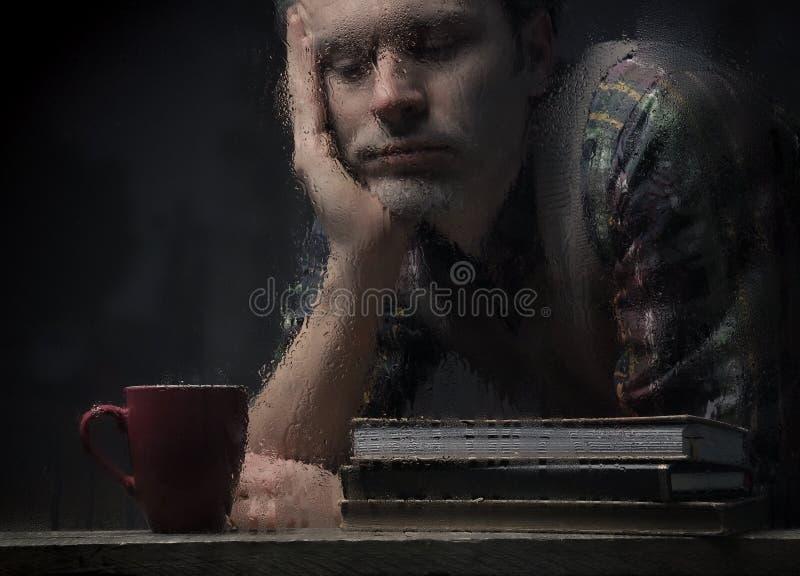Verticale triste d'homme images stock