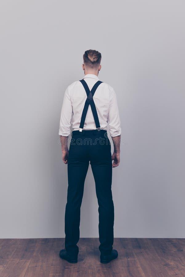 Verticale ware grootte van gemiddelde lengte achter achter achtermeningsfoto van Ha stock foto