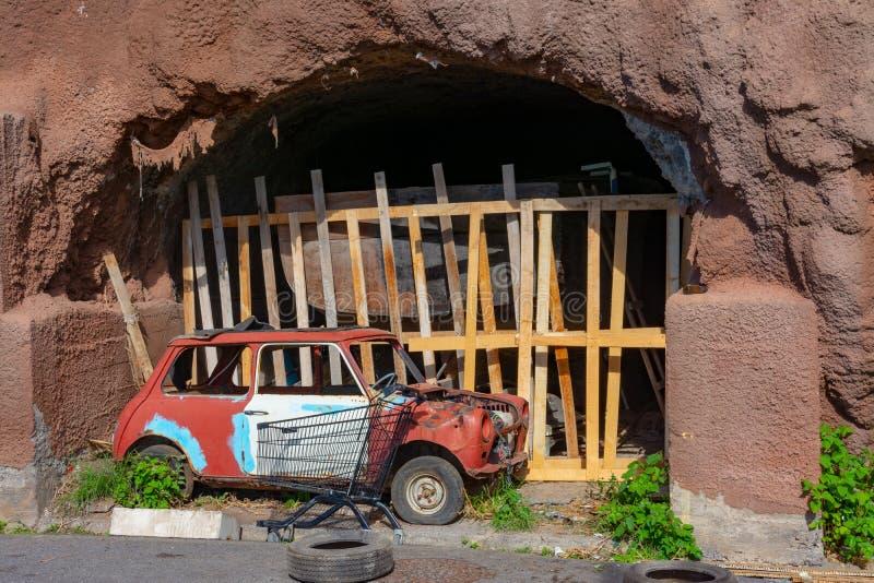 Vertido en una cueva en Madeira fotos de archivo libres de regalías