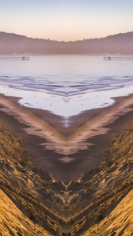 Vertikal Kalifornien kust på en mittaxel av symmetrin arkivbilder