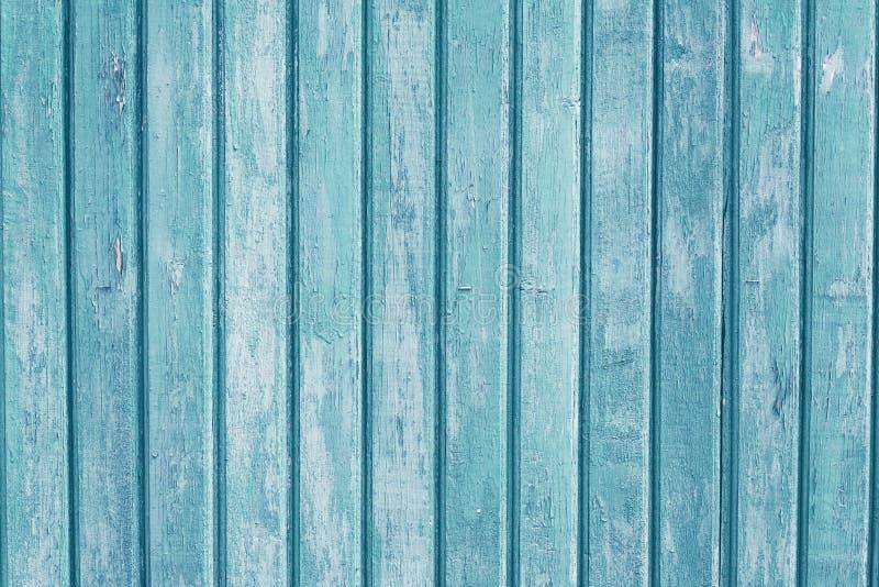Vertikala träplankor för turkos Blått ljust - grön målad träbakgrund Tappningmodell f?r dekorativ design gammal tabell Gr arkivbilder