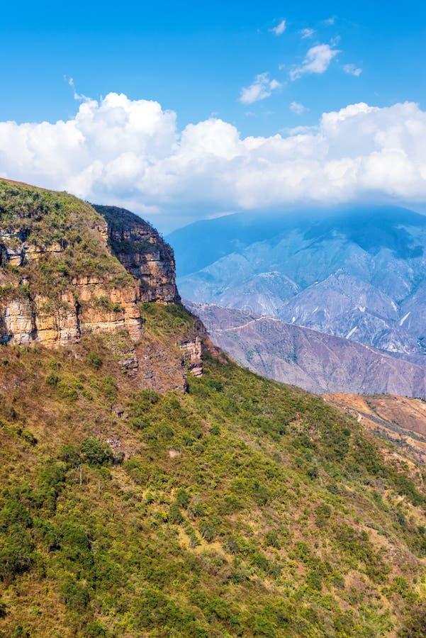 Vertikale Ansicht von Chicamocha-Schlucht stockfotos