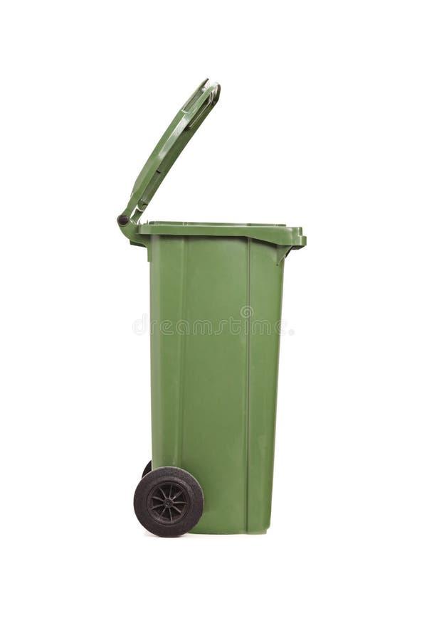 Vertikale Atelieraufnahme einer leeren Mülltonne lizenzfreies stockfoto