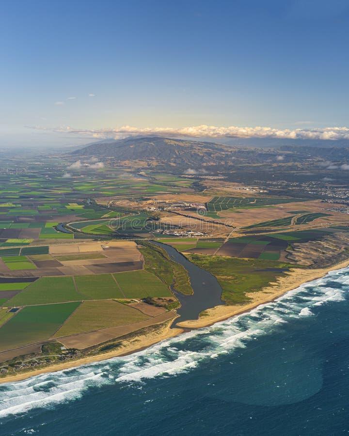 Vertikale Luftaufnahme des Salinas Valley in Kalifornien, Vereinigte Staaten stockfotografie