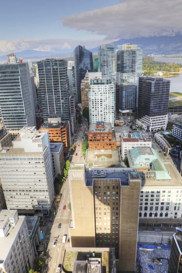 Vertikale Vogelperspektive des Vancouvers, Kanada Skyline stockfotos