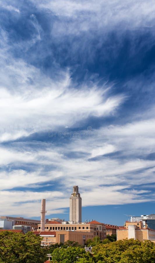 Vertikaler Panoramablick des Campus der Universität von Texas stockbilder