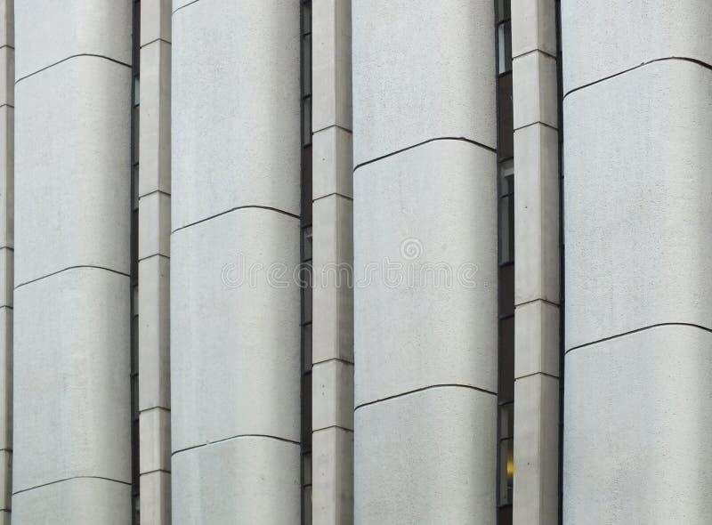 Vertikales Detail über graue Betonmauer stockbilder
