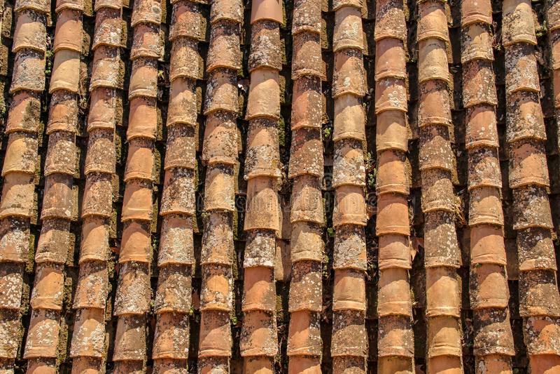 Vertikalt tegelplattatak i Granada arkivfoton