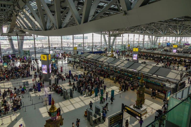 Vertrekterminal van Suvarnabhumi-Luchthaven royalty-vrije stock foto's