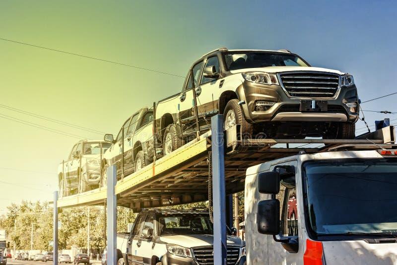 Vervoer, nieuwe auto's, nieuwe auto, voertuig, auto, de industrie, aut stock afbeeldingen