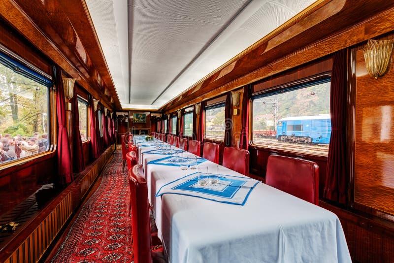 Vervoer van de luxe het oude trein stock fotografie