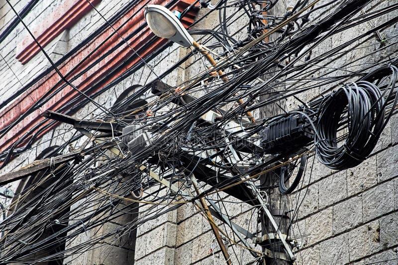 Verwarring van kabels en draden in Manilla, Filippijnen royalty-vrije stock foto