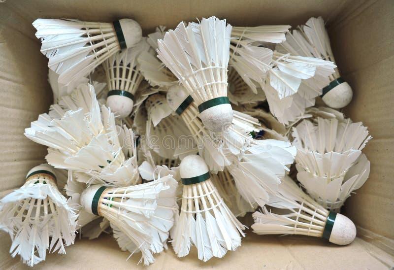 Verwendete Badminton-Federbälle lizenzfreies stockfoto