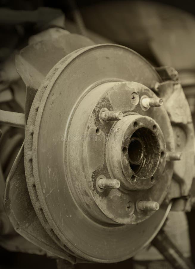 Verwijder het wiel van auto stock afbeeldingen