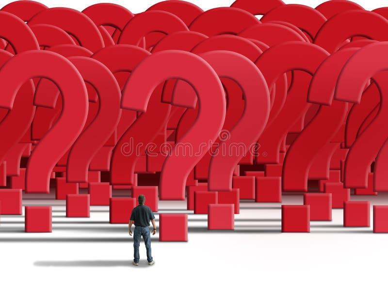 Verwirrter Mann, der vor einer Wand von Fragezeichen steht lizenzfreies stockfoto