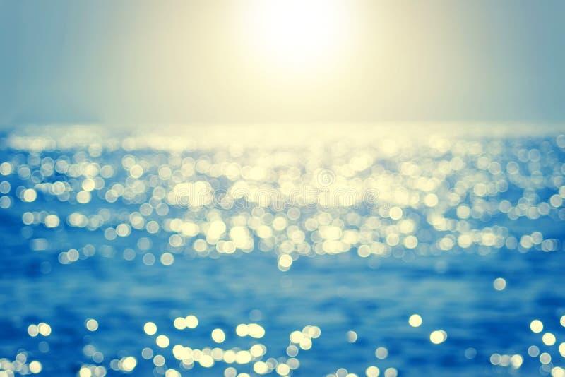 Verwischen Sie tropisches Meerwasser bokeh Abstraktes Meerwasser bokeh stockbild
