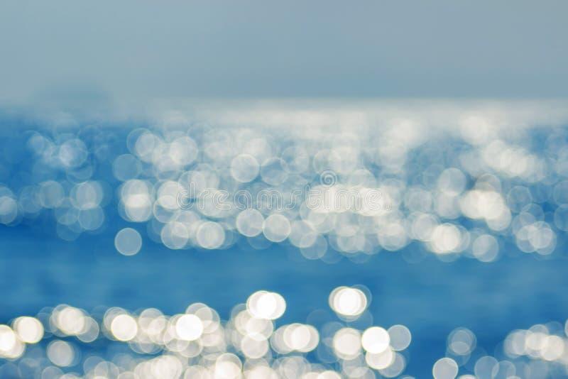 Verwischen Sie tropisches Meerwasser bokeh Abstraktes Meerwasser bokeh lizenzfreies stockfoto
