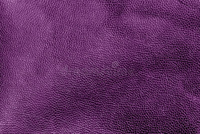 Verwitterte lederne Beschaffenheit im purpurroten Ton stockbilder