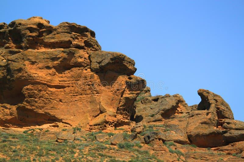 Verwitterte Steine auf Bogdo-Berg lizenzfreie stockfotos