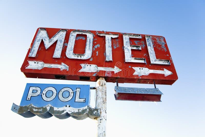 Verwittertes Retro- Motel-Zeichen lizenzfreies stockbild