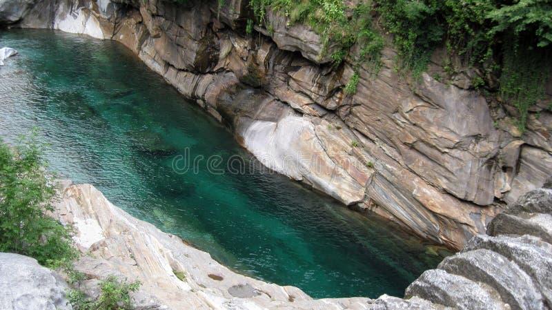 Verzasca-Fluss, wirklicher Edelstein in der wilden Natur Lavertezzo Verzaca-Tal Cantone Tessin Die Schweiz-Alpen stockfoto