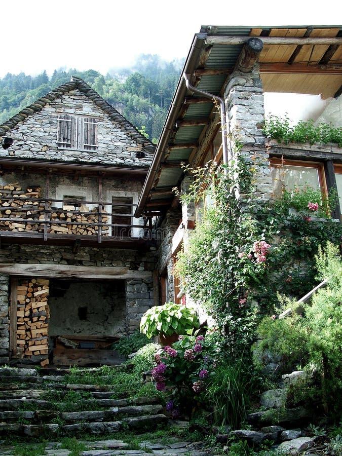 Download Verzasca Tal stockfoto. Bild von dell, hoch, glen, granit - 39380