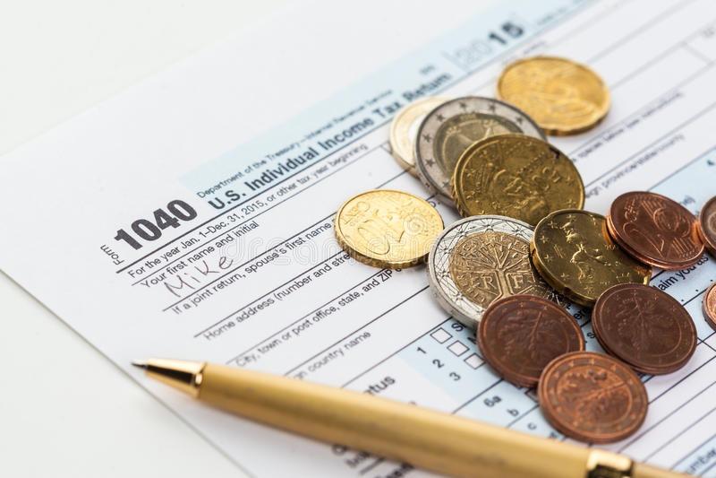 Verzeichnetes AbzugsSteuerformular lizenzfreie stockfotos