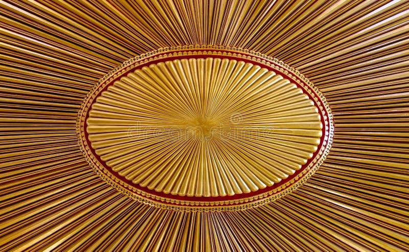 Verziertes hölzernes Gold malte Decke mit dem Design, das auf der alten Flagge des Osmanischen Reichs basierte lizenzfreies stockbild