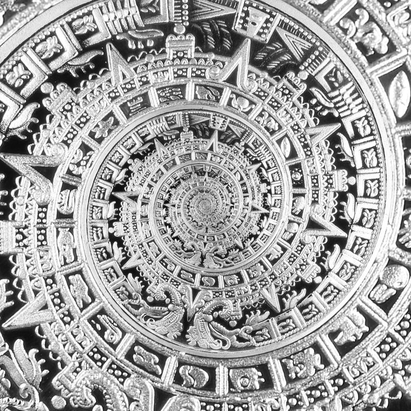 Verzierungsmusterdekorations-Entwurfshintergrund der silbernen schwarzen alten antiken traditionellen Spirale aztekischer Surreal lizenzfreies stockfoto