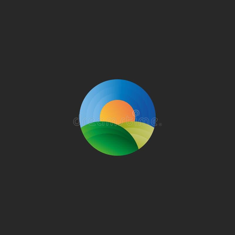 Verzinnebeelden de het embleem abstracte groene gebieden van het biologische landbouwlandbouwbedrijf, de blauwe hemel en de zon o stock illustratie