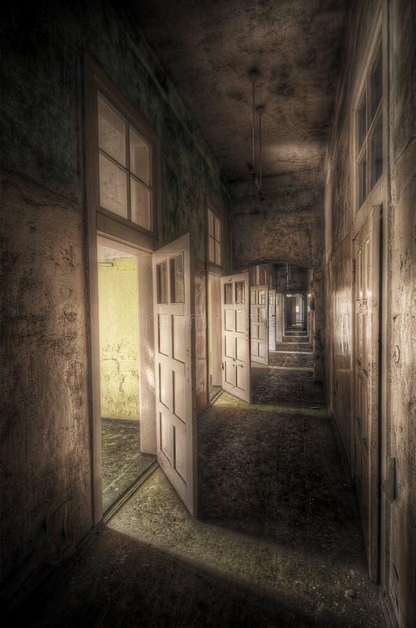 Vestíbulo con las puertas abiertas foto de archivo libre de regalías