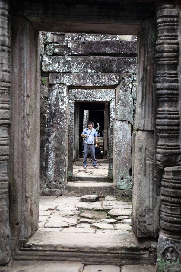 Vestíbulo de piedra en Camboya fotografía de archivo libre de regalías